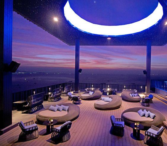 Terraza Bar Hilton Pattaya Hotel Tailandia.